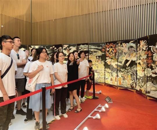 巨幅玉石鑲嵌作品《黃大仙》在金華城市展示館展出