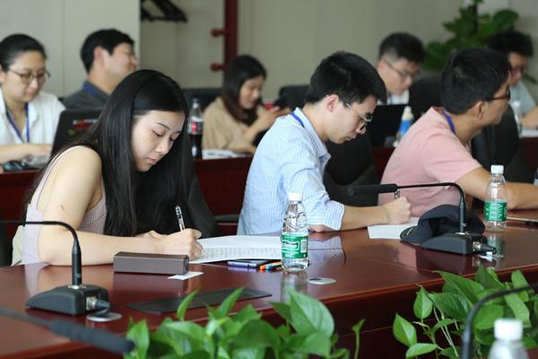 """人民网信息技术公司举办""""双微""""运营风控培训"""