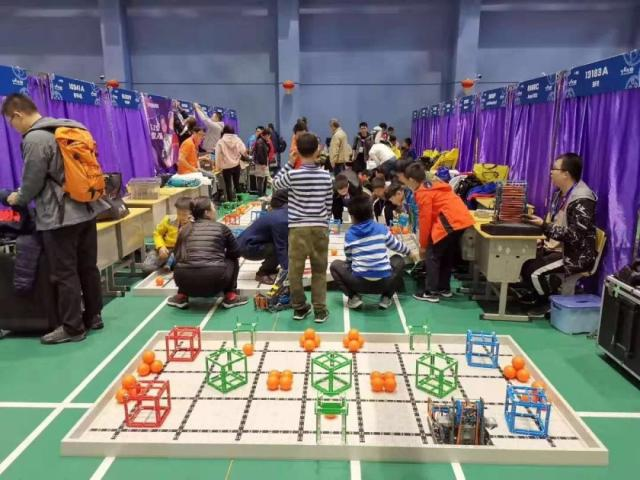 """""""机器人大赛""""凸显中国人工智能基础教育?#20013;?#21319;温"""