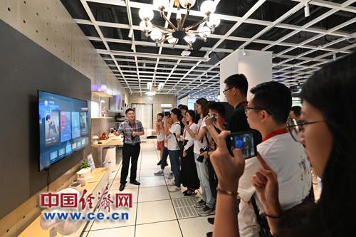 AI慧眼、智慧跨屏技术加持 华为智慧屏引领未来大屏设备发展