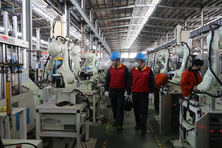 機器人上崗復產 電力服務優質增效