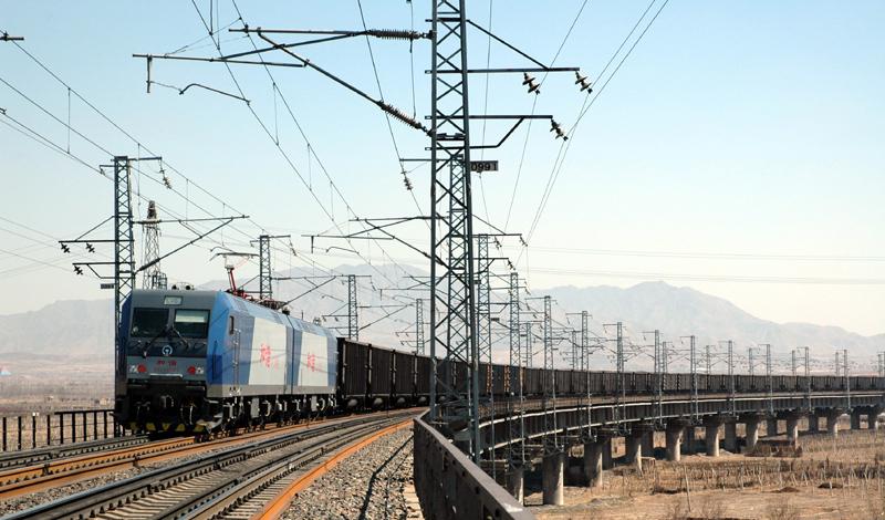 國鐵太原局10月已運煤2200余萬噸 港口存煤回升